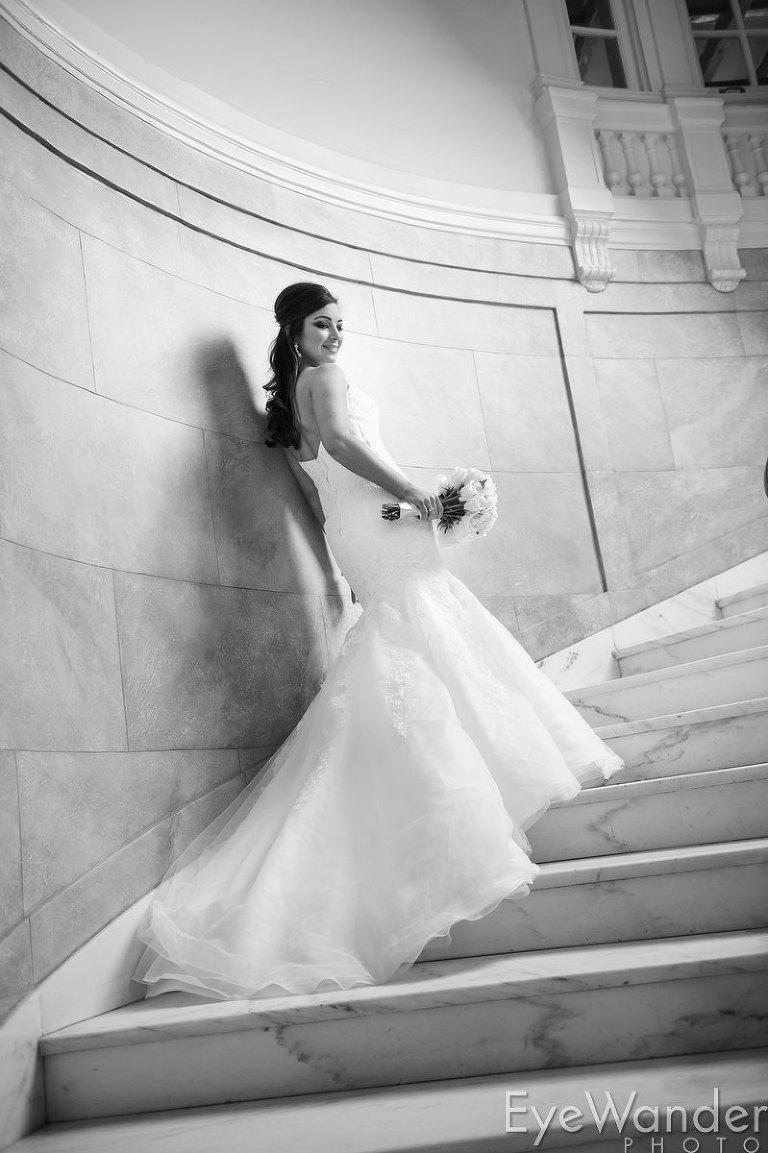 Bridal photos, Old Governor's Mansion, Baton Rouge, classic wedding, black & white wedding photos